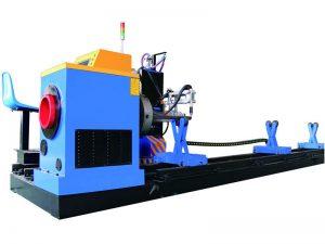 talladora de tubs metàl·lics